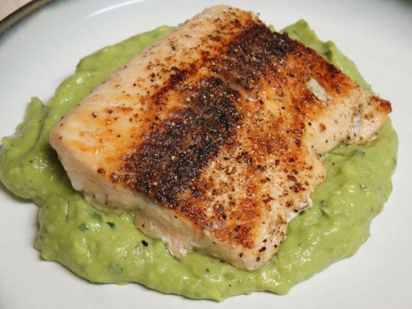 salmon avocado remoulade