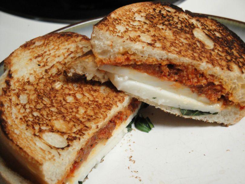 Sundried Tomato Mozzarella Sandwich |