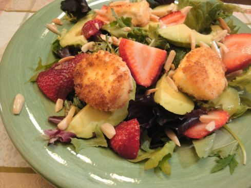 goat cheese strawberry salad